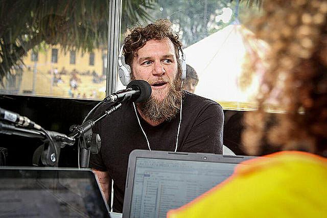 Otto disse que está emocionado e considera uma honra cantar em um evento da MST