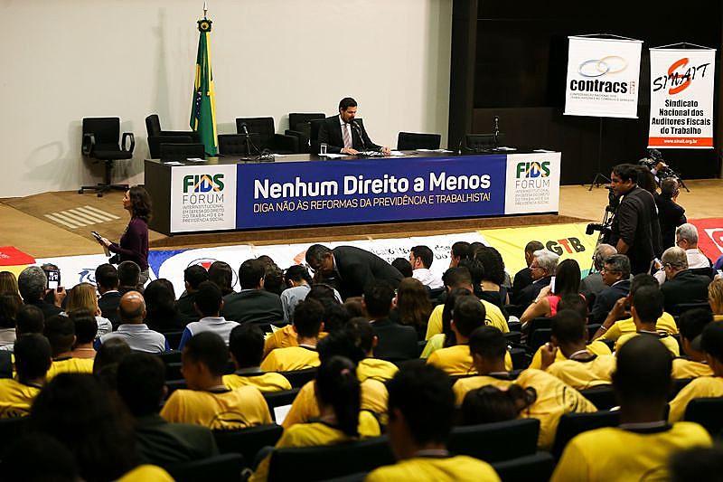 Ato público contra as reformas da previdência e trabalhista em Brasília