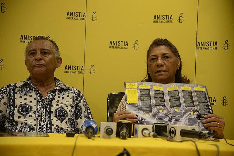 """Divulgação do """"Labirinto do Caso Marielle Franco"""" teve a presença de Antônio da Silva e Marinete da Silva, pais da vereadora morta"""