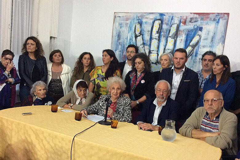 Organismos de DDHH argentinos durante la conferencia de prensa