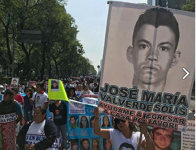 """""""Vivos foram levados, vivos os queremos"""", gritaram as mães pelas ruas de todo país."""
