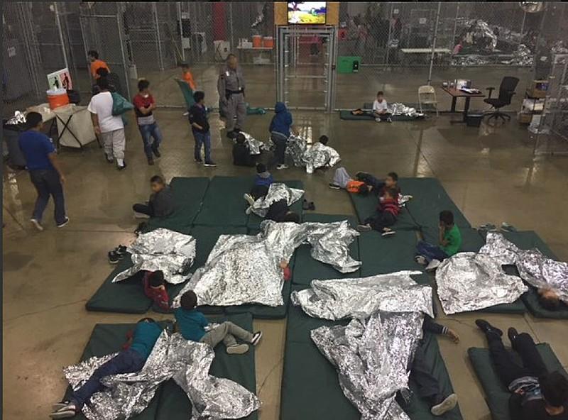 A polícia fronteiriça estadunidense separou 2,3 mil crianças imigrantes de seus pais nos últimos dois meses
