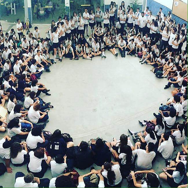 Alunos do Colégio Pedro II realizam assembleia e decidem ocupar quatro unidades da escola