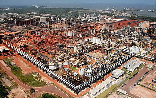 Polo industrial na cidade de Barcarena (PA)