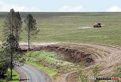 O Brasil, segundo os dados do Atlas, consome 20% de todo agrotóxico comercializado mundialmente.