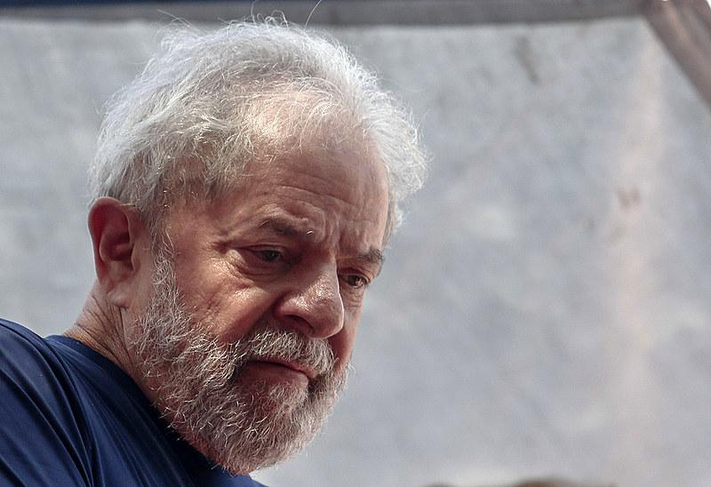 O ex-presidente Lula no dia 7 de abril, antes de apresentar-se à Polícia Federal