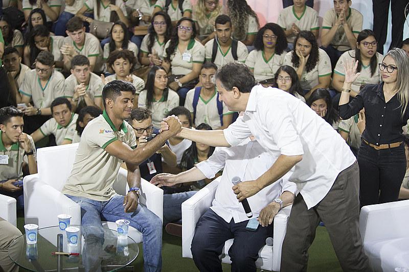 Em 2014, a taxa de desemprego juvenil no Ceará era 11,4%, saltando para 21% no último trimestre de 2017.