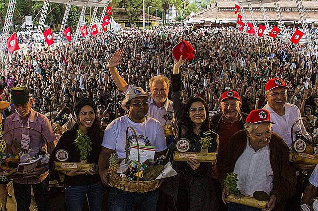 Los conferencistas en el Parque de Água Branca, zona oeste en la capital paulista
