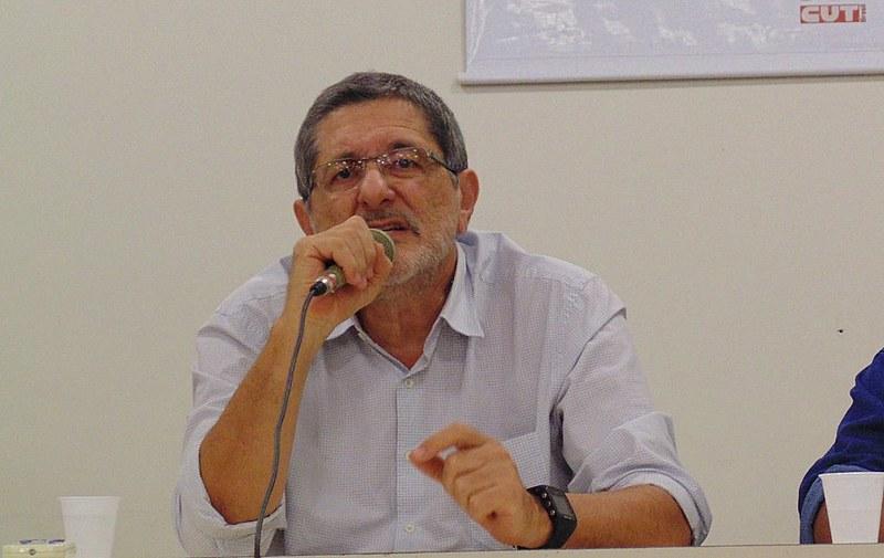 Sérgio Gabrielli, em passagem ontem (25/07), por João Pessoa, fala sobre a conjuntura e o cenário político-eleitoral de outubro .