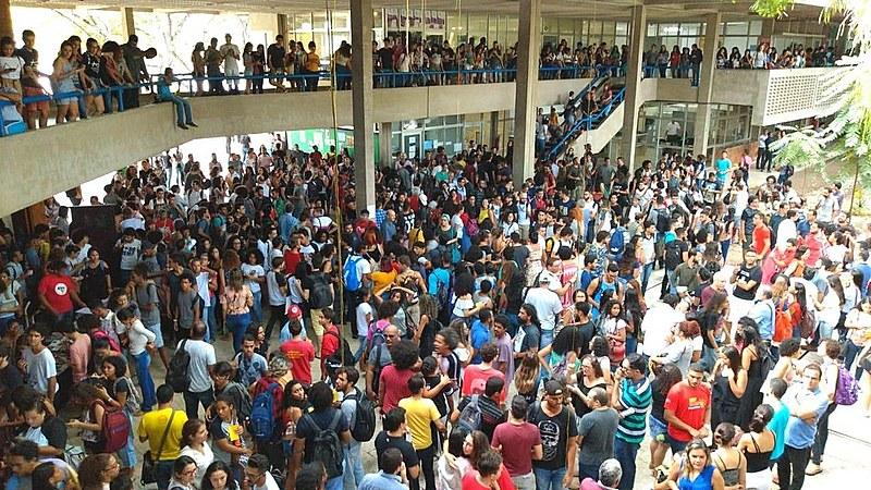 Universidades vem realizando processos de mobilização contra os cortes