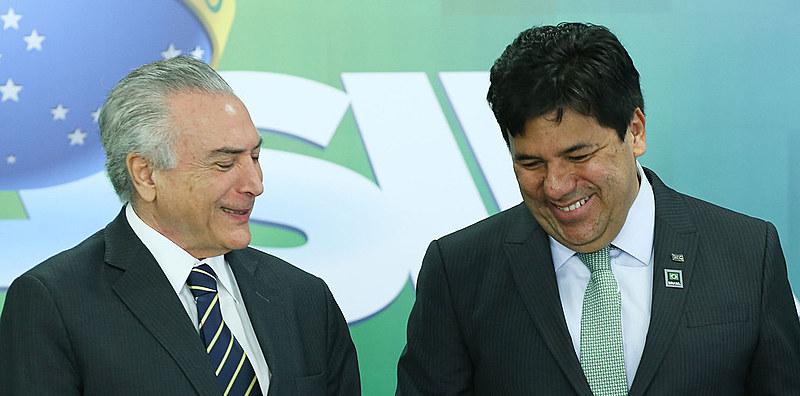 Presidente não eleito Michel Temer e seu ministro da Educação, Mendonça Filho