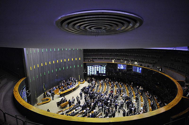 Políticos herdeiros são a maior bancada do Congresso Nacional, afirma ONG Transparência Brasil
