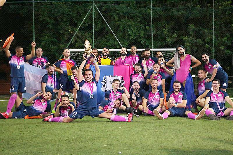 Champions Ligay - Mineiros levam a melhor no 1° campeonato de futebol para times LGBT's