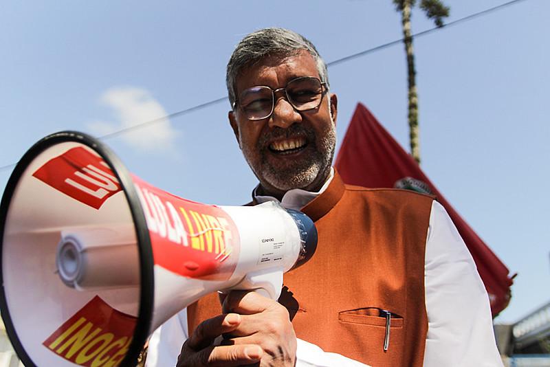 Ativista é reconhecido por seu trabalho contra o tráfico de crianças e o trabalho infantil na Índia