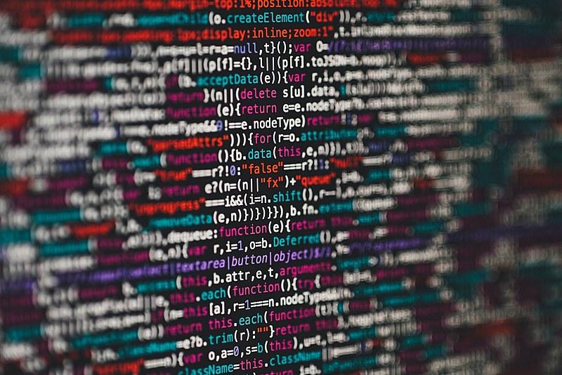 Serpro é uma empresa pública que desenvolve tecnologia e sistemas de informação para todos os órgãos públicos e até para empresa privadas.