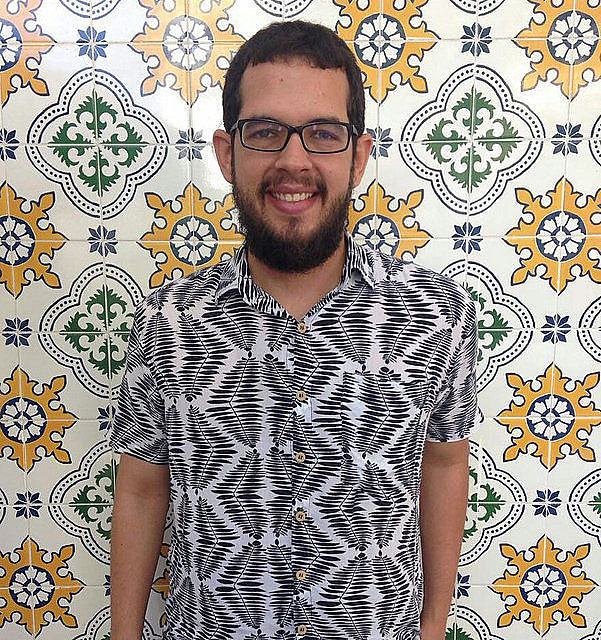 Roberto Efrem Filho – ou Beto, como gosta – é do Recife e, vez ou outra, desajeita-se na palavra.