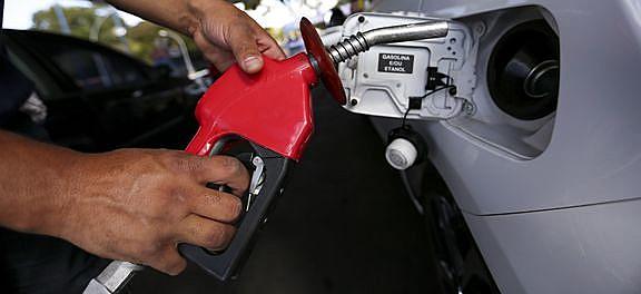 Reajuste médio sem impostos foi de R$ 0,07 por litro e deve ser repassado para os consumidores