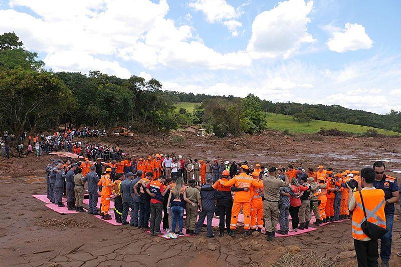 Barragem de Brumadinho rompeu dia 25/1 e despejou lama contaminada no meio ambiente