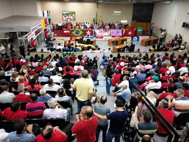 A Frente Brasil Popular de Maringá lançou neste sábado (13) o Comitê pela Defesa da Democracia e pelo Direito à Livre Eleições