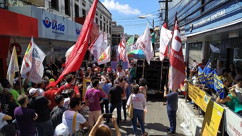 Manifestantes denunciaram os onze (11) deputados federais do Ceará que votaram a favor da Reforma da Previdência