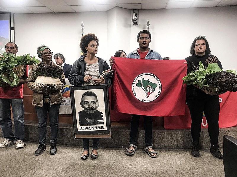 Além do integrante do MST, a militante do movimento de moradia Preta Ferreira também recebeu o prêmio