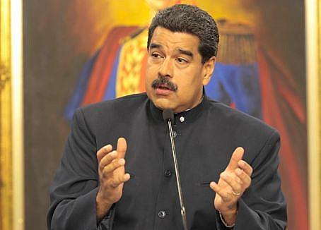 """Maduro pediu ajuda ao Papa Francisco """"contra a ameaça militar dos EUA"""""""
