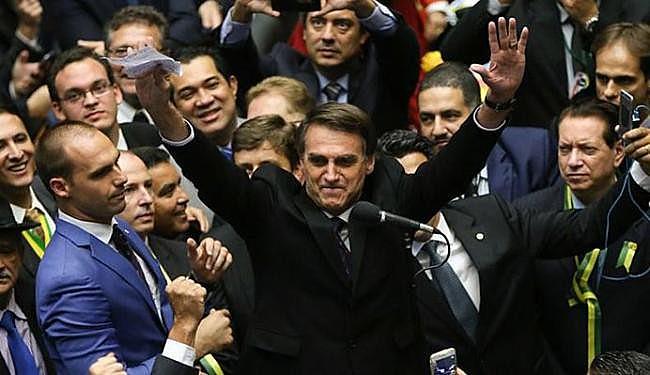 Deputado Jair Bolsonaro (PP) aparece em segundo lugar nas pesquisas de intenções de voto para a Presidência da República