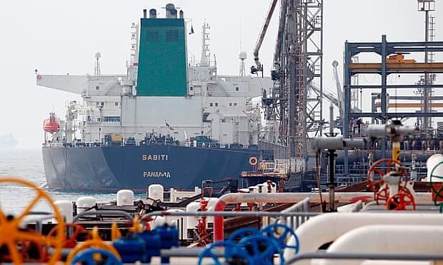 """""""Hoje, os EUA dependem muito menos do petróleo do Golfo Pérsico"""", analisa professor da FGV"""