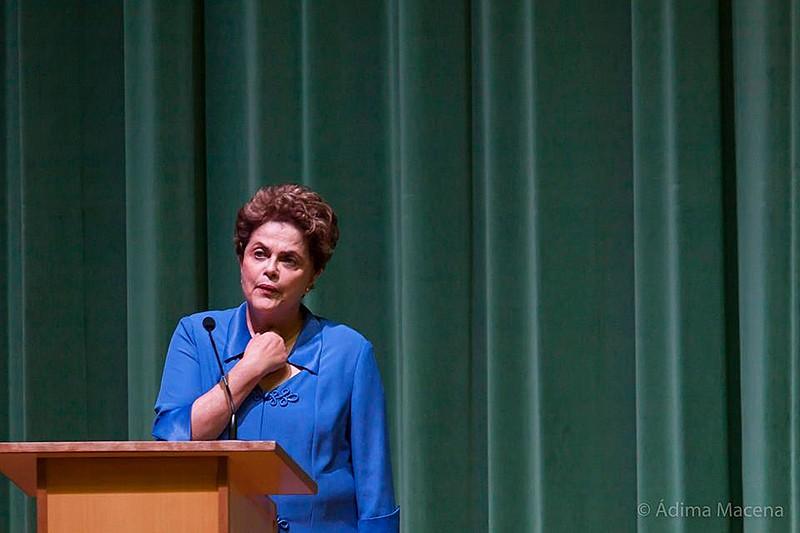 Para Dilma, o voto do povo brasileiro tem de incidir sobre todo processo de repactuação democrática