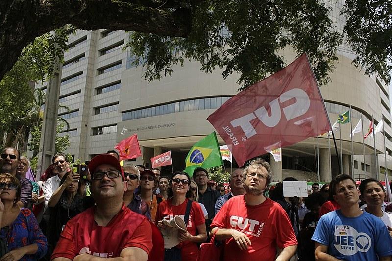 """Aula pública realizada em Porto Alegre com o tema: """"Direito e Democracia: Eleição sem Lula é Golpe"""""""