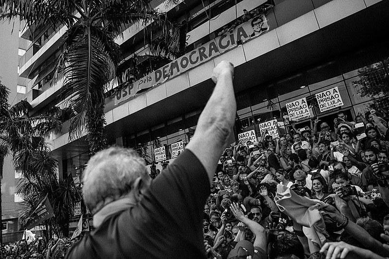 """O evento """"Lula Festiva – América Latina em emergência"""" acontecerá na Plaza de Mayo e é organizado por 15 coletivos do continente"""