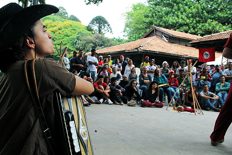 Evento cultural durante a 1ª Feira Estadual da Reforma Agrária