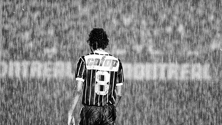 Um dos maiores líderes do futebol brasileiro, Sócrates Brasileiro, será homenageado no próximo sábado, pelo MST