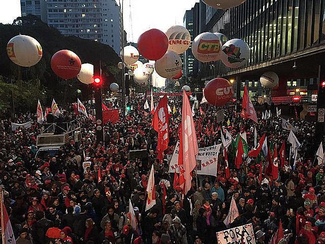 Manifestação da Frente em 2016, na Avenida Paulista, em São Paulo (SP)
