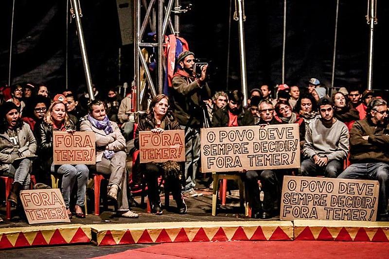 Circo da Democracia dá voz a diversos atores contra o golpe