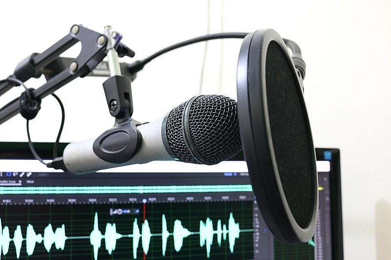 Podcast sobre medicina, saúde coletiva e política é produzido por quatro médicos do Sudeste e Nordeste
