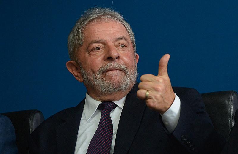 Ex-presidente é acusado de receber imóvel como contrapartida a vantagens concedidas à OAS