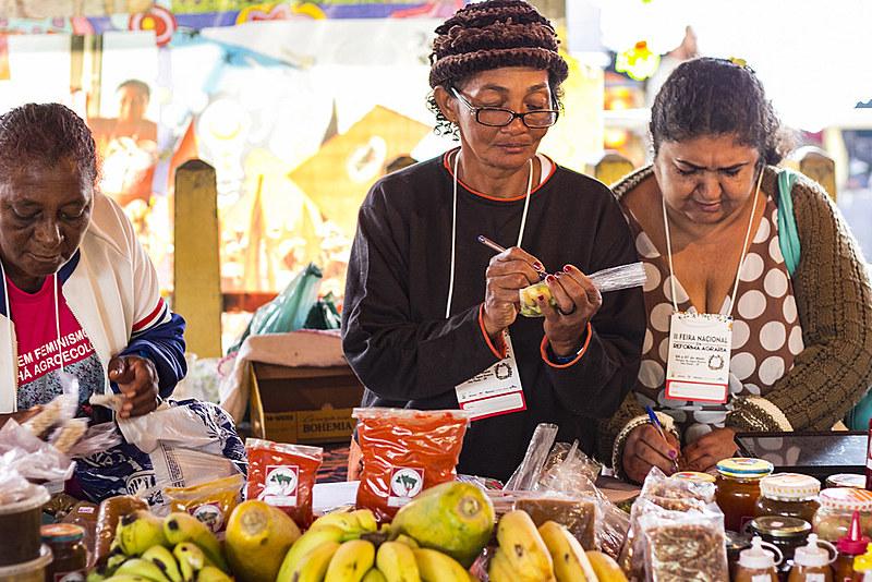 Feirantes de mais de 23 estados expõe seus produtos no Parque da Água Branca, em São Paulo