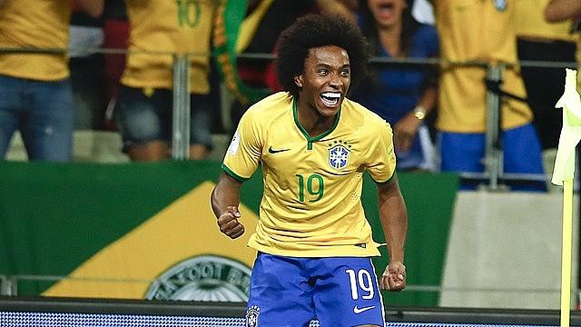 Meio-campista Willian cresceu jogando futebol na rua Conde de Sarzedas, no bairro Vila Albertina, periferia do ABC paulista
