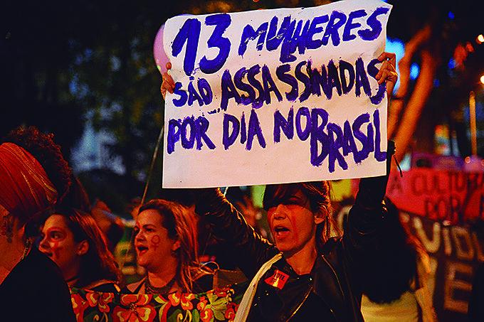 O que significará para as brasileiras o decreto flexibilizando e favorecendo a posse de armas de fogo?