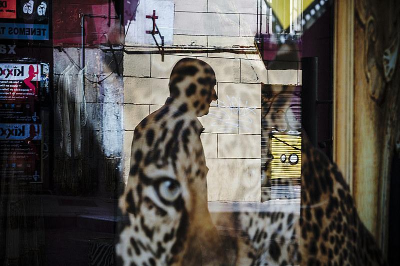 Gustavo Minas, um dos convidados no Co-fluir,  atualmente é referência na fotografia de rua, com suas cores vibrantes e composições complexa
