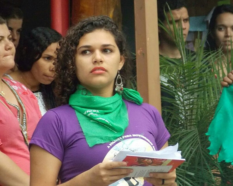 A militante da Marcha Mundial das Mulheres, Elisa Maria, fala sobre a campanha Renda Básica Recife