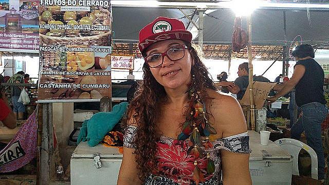 Estuvo 10 años acampada hasta la conquista del asentamiento, hace cuatro años. Hoy, María Alzenir destaca en la Feria de la Reforma Agraria