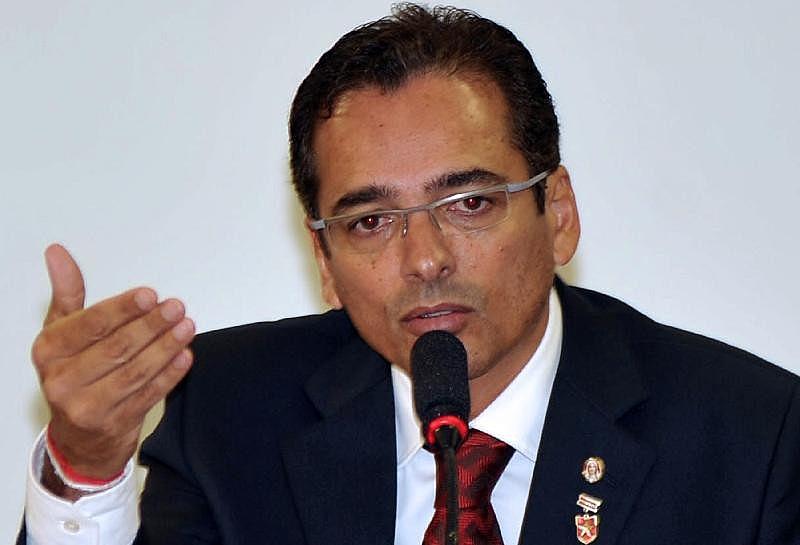 Delegado e ex-deputado federal Protógenes Queiroz se encontra exilado na Suíça