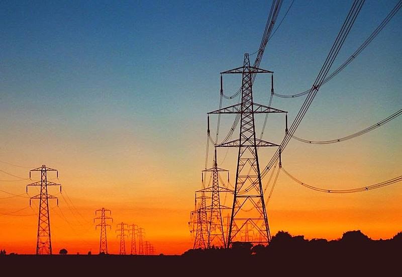Setor elétrico havia sido fortalecido no começo dos anos 2000 e agora governo quer vendê-lo a grupos estrangeiros