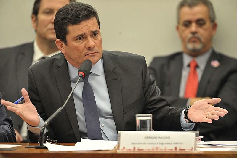 A série de reportagens Vaza Jato, divulgadas pelo Intercept Brasil, evidencia crimes cometidos por Moro e Dallagnol, entre outros políticos