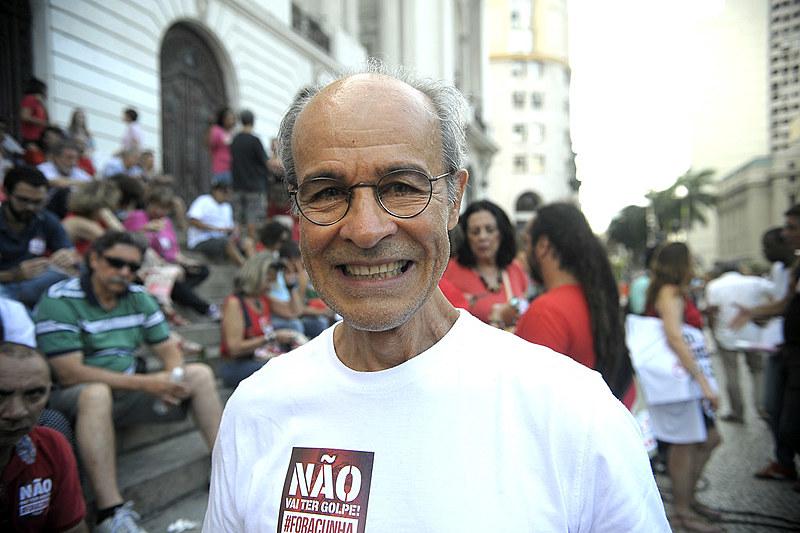 """""""Abriram-se as portas para o conservadorismo que já existia"""", diz Osmar Prado"""