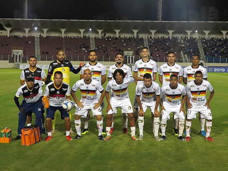 Globo perdeu por 2 a 1 do Confiança no Estádio Batistão, em Sergipe