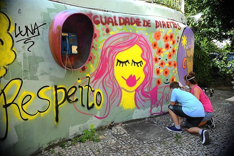 No Brasil, metade das mulheres entrevistadas afirmou já ter sido seguida nas ruas e 44% já tiveram seus corpos tocados