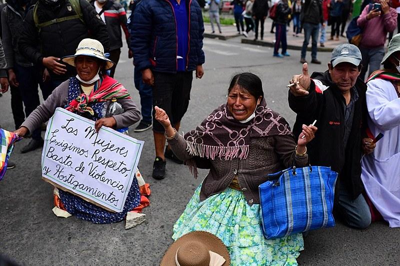 Forças armadas e policiais aderiam ao golpe que levou à renuncia de Evo Morales